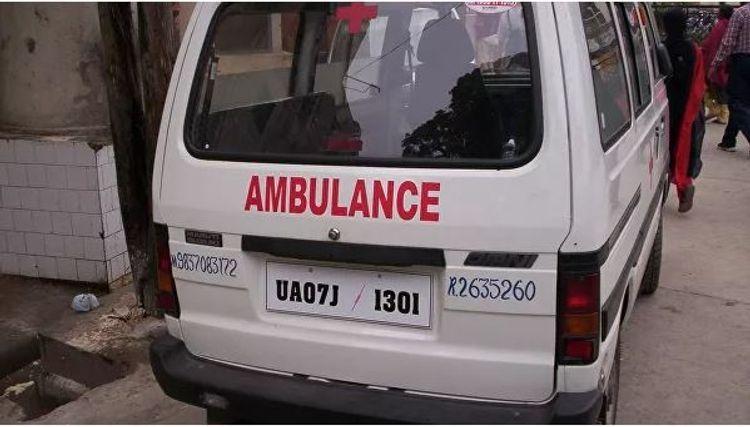 СМИ:В Индии не менее 10 человек погибли в ДТП с участием микроавтобуса