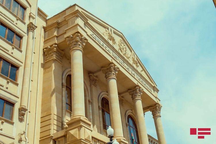 В Азербайджане чиновники задержаны при получении взятки