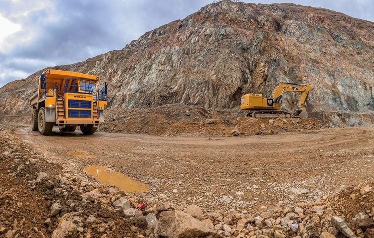 Azerbaijan signs contracts for drilling operations at gold deposits in Zangelan and Kalbajar