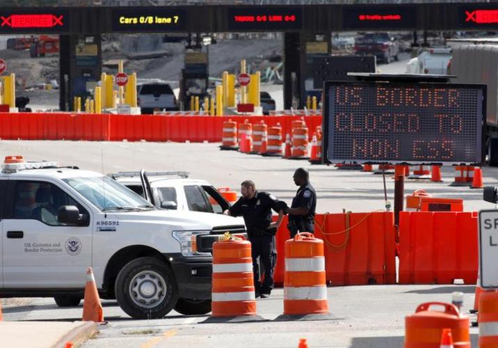 U.S., Canada, Mexico to extend border travel restrictions until Dec. 21: officials