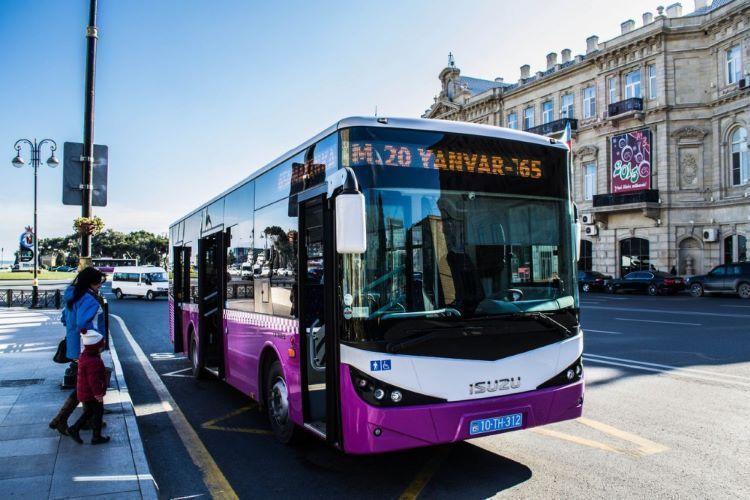 В Азербайджане из-за пандемии резко сократилось число пассажиров автобусов и такси