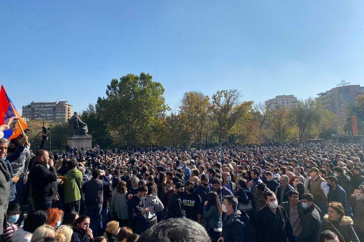Protestors demanding resignation of Pashinyan closed central streets in Yerevan