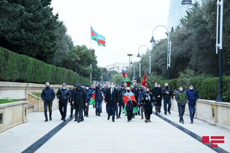 Bir qrup Ağdam sakini Şəhidlər Xiyabanını ziyarət edib  - FOTO