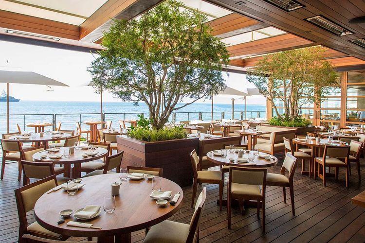 В выходные дни в ресторанах будет прекращено обслуживание на местах