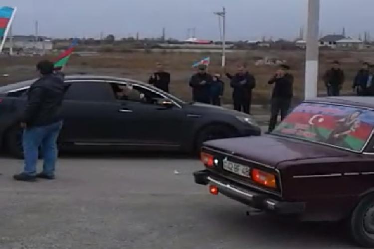 Qarabağ qazisinin doğulduğu Yevlax rayonuna qayıdışı coşqu ilə qarşılanıb - <span class=