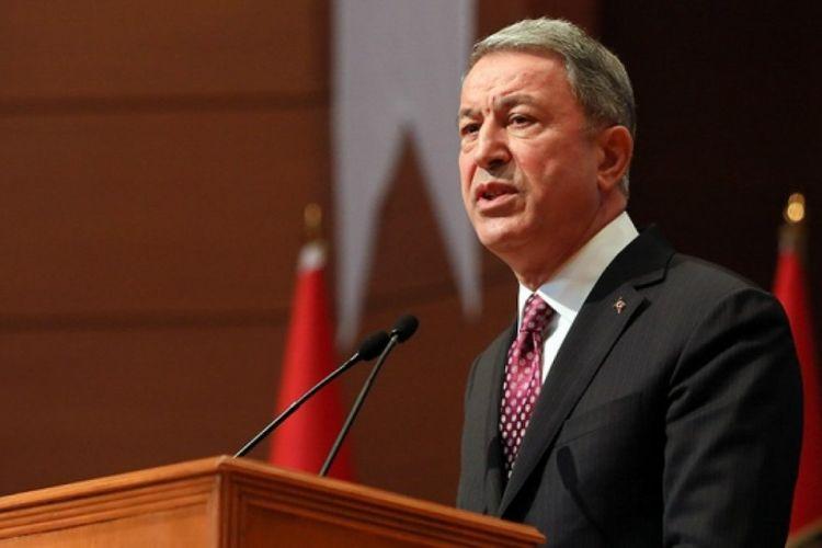 """Hulusi Akar: """"Türkiyə hərbçiləri azad edilmiş ərazilərin minalardan təmizlənməsinə yardım edəcəklər"""""""