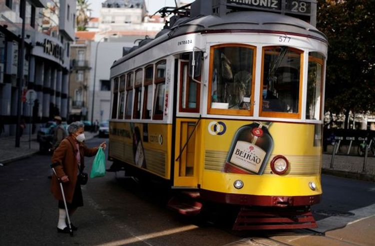 Portugal to ban domestic travel, close schools around national holidays