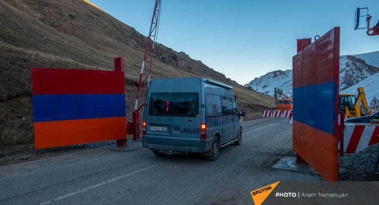 Минообороны Армении: Ворота у границы с Азербайджаном в Кельбаджаре были установлены временно