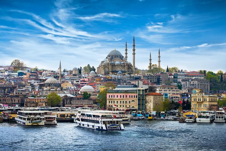 В октябре граждане Азербайджана приобрели 137 домов в Турции