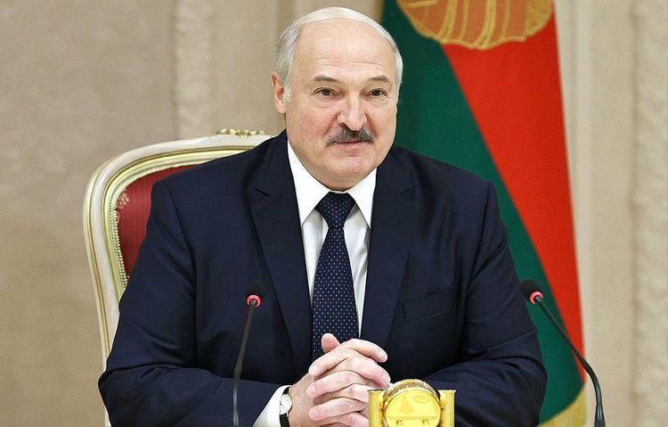 Lukaşenko yeni konstitusiyanın qəbulundan sonra prezident olmayacağını bildirib