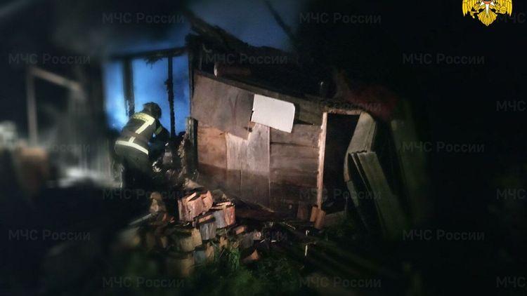 Rusiyada fərdi yaşayış evində 2 nəfər yanaraq ölüb