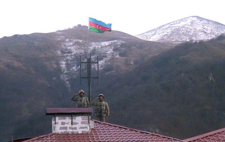 В освобожденном от оккупации городе Кяльбаджар поднят флаг Азербайджана - ВИДЕО