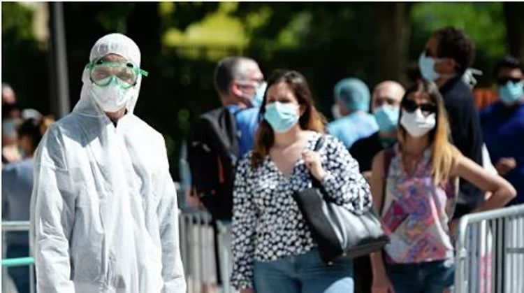 Fransada son sutkada koronavirusa yoluxanların sayı 10 minə yaxın olub