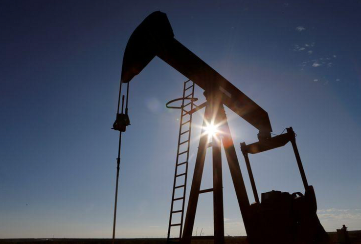 Oil drops for second day as worsening pandemic threatens demand drop