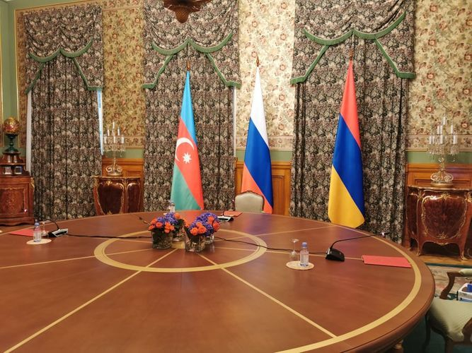 Trilateral meeting of Russian, Azerbaijani and Armenian FMs in Moscow kicks off