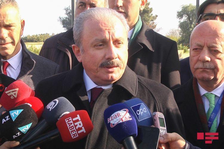 Mustafa Sentop visited the grave of Heydar Aliyev, the Alley of Martyrs and Baku Turkish Martyrs