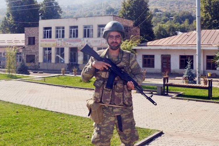 Azərbaycan əsgəri yeni tarix yazır - FOTO