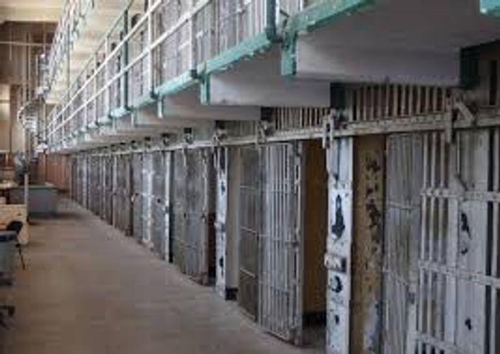 СМИ: В Конго из тюрьмы бежали более 900 преступников и террористов