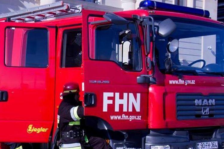 В Сумгайыте произошел пожар, один человек отравился