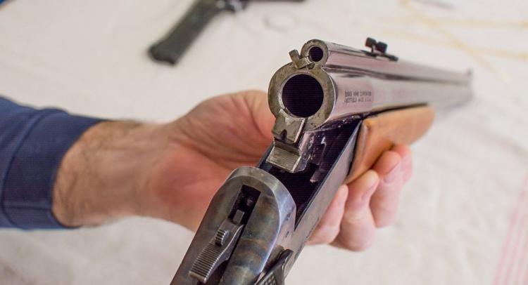 Neftçala  sakinindən odlu silah götürülüb