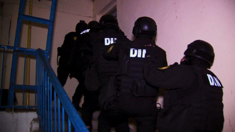 Lənkəranda evdə tiryəkxana aşkar edilib, 8 nəfər saxlanılıb