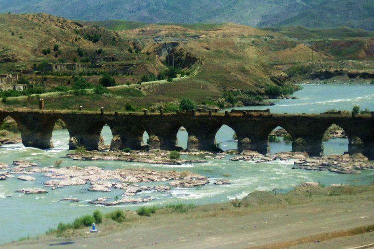 Будут проведены мероприятия с целью внесения мостов Худаферин в Список всемирного культурного наследия ЮНЕСКО