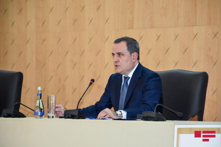 Ceyhun Bayramov Moskvaya gedib