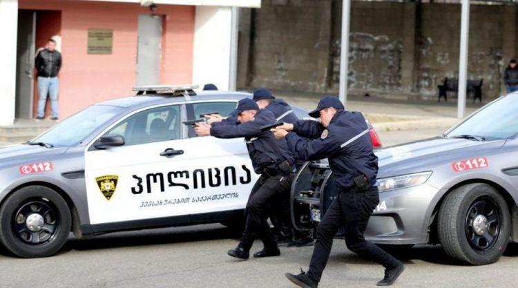 Gürcüstanda banka basqın olub, girov götürülənlər var