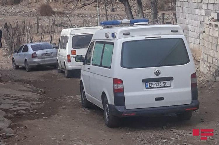 В Загатале 50-летний мужчина зарубил топором жену