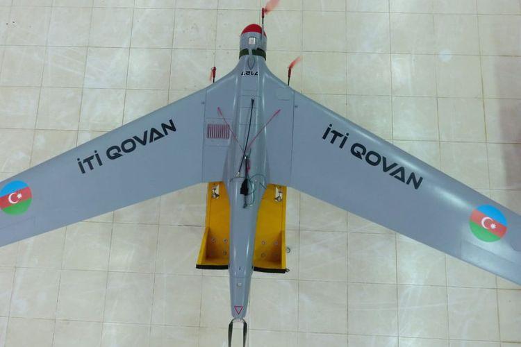 """Müdafiə Sənayesi Nazirliyi """"İti qovan"""" Pilotsuz Uçuş Aparatlarının seriyalı istehsalını davam etdirir"""