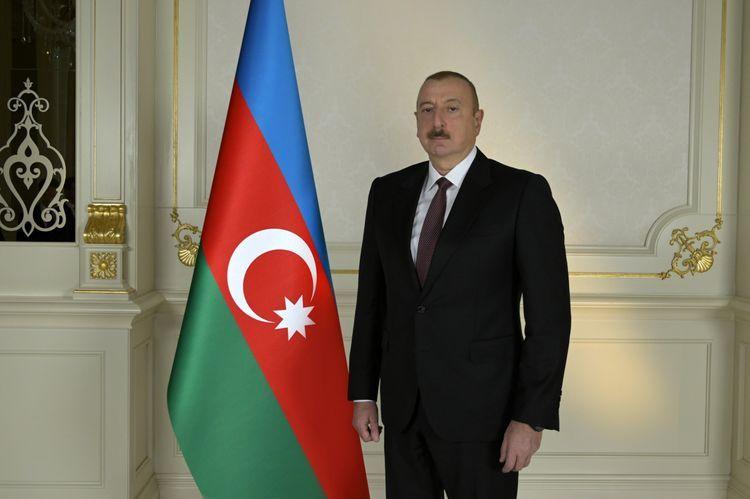 Президент Ильхам Алиев поздравил народы Азербайджана и Ирана
