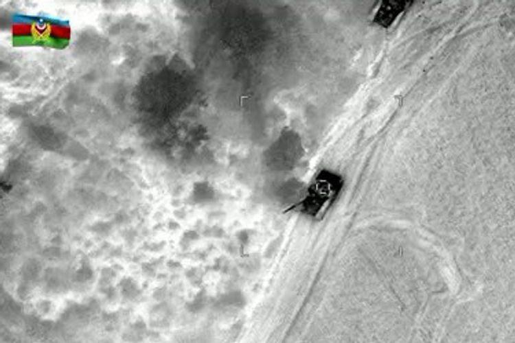 Видеокадры уничтоженной ночью военной техники противника - ВИДЕО