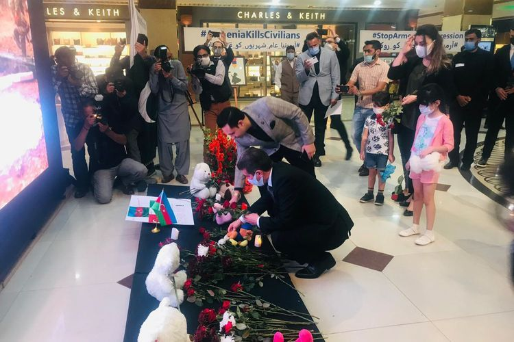 """Rally called """"Armenia kills civilian population. End to Armenian aggression"""" being held in biggest shopping mall of Islamabad - VIDEO"""