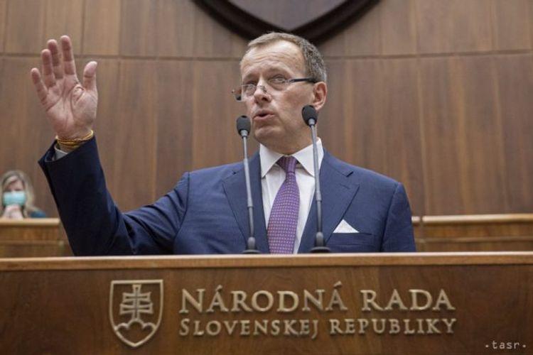 Slovakiya Parlamentinin spikeri yol qəzasında ağır xəsarətlər alıb