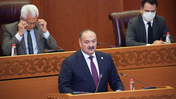 Глава Дагестана призвал отказаться от иностранных названий ресторанов