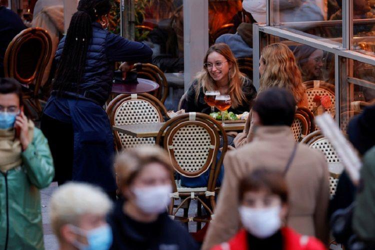 Fransada bir gündə 52 mindən çox insanda koronavirus aşkarlanıb