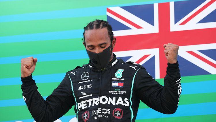 Хэмилтон побил рекорд Шумахера по числу побед на Гран-при «Формулы-1»