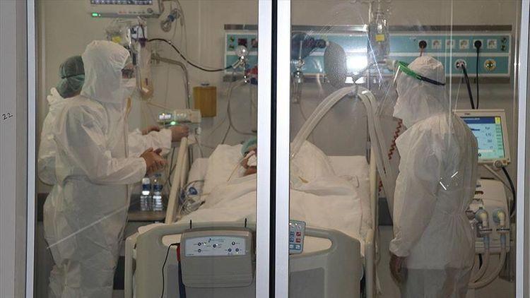 В Турции от коронавирусной инфекции скончались еще 75 жителей страны