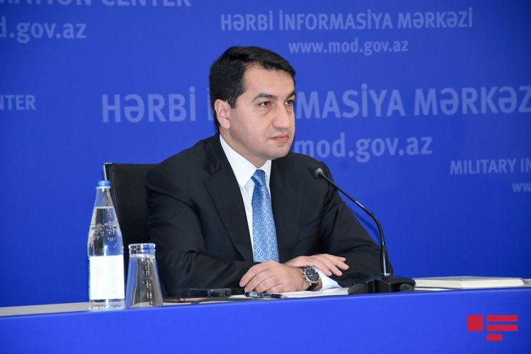 """Hikmət Hacıyev: """"Azərbaycan cəsədləri birtərəfli qaydada qaytarmağa hazır olduğunu bildirsə də, Ermənistan cavab verməyib"""""""