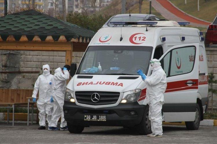 Türkiyədə son sutkada koronavirusdan daha 76 nəfər ölüb