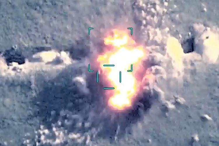 Точным огнем подразделений Азербайджанской Армии уничтожена живая сила противника, подвергшего обстрелу гражданскую инфраструктуру и мирное население - ВИДЕО