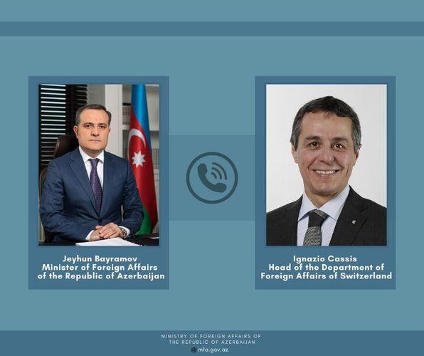 Состоялся телефонный разговор между Джейхуном Байрамовым и руководителем департамента иностранных дел Швейцарии