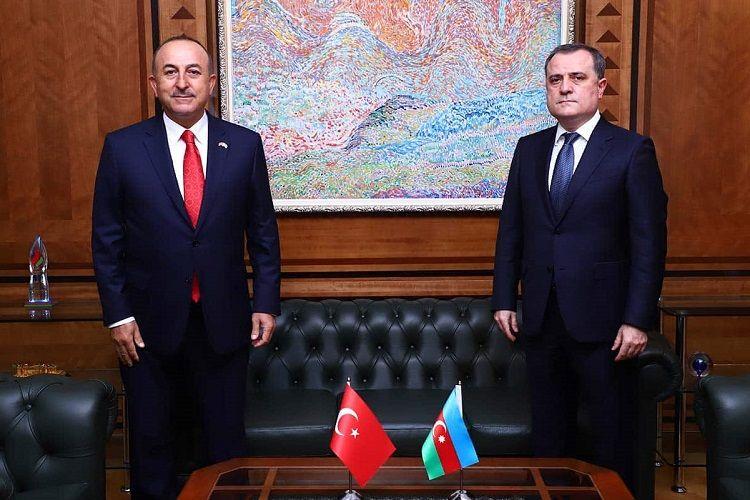 Azərbaycan və Türkiyə XİN başçıları arasında telefon danışığı olub - YENİLƏNİB