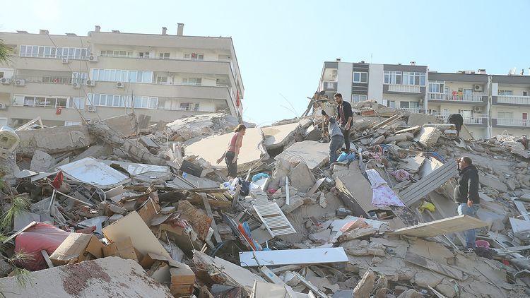Число погибших в результате землетрясения в Измире достигло 24, пострадавших - 804 человек  - ОБНОВЛЕНО-7