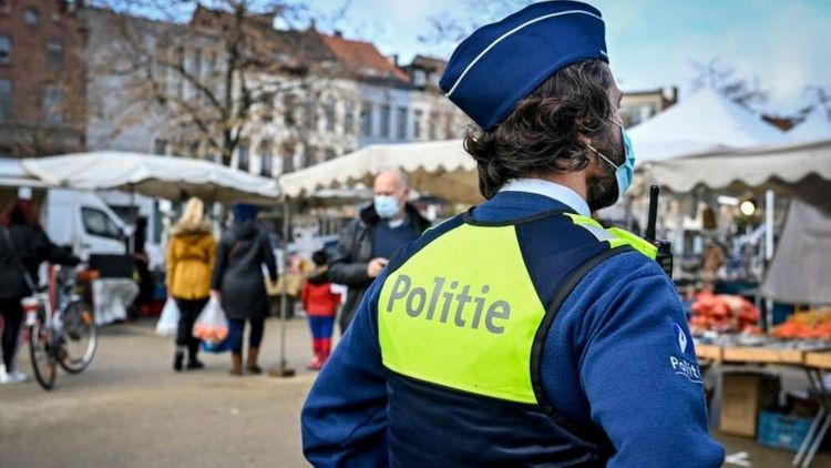 Belgium announces return to national lockdown