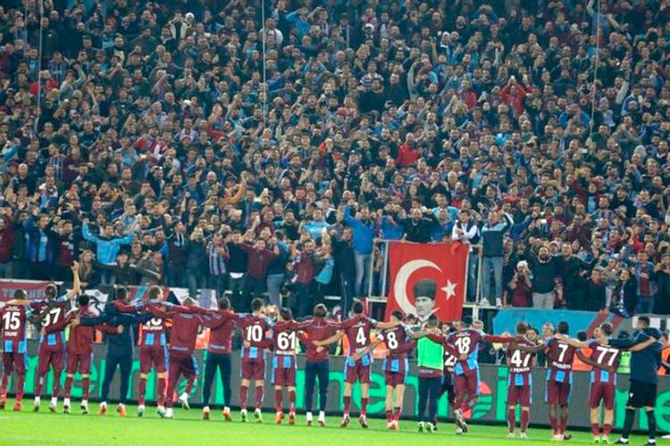 """""""Trabzonspor"""" azarkeşləri Azərbaycana dəstək nümayiş etdiriblər: """"Qarabağ bizimdir, bizim qalacaq"""""""