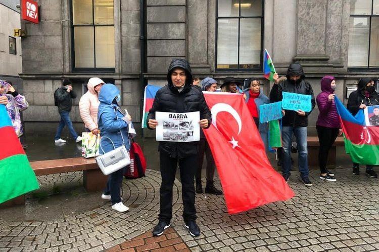 Şotlandiyada erməni terroruna qarşı etiraz aksiyası keçirilib - FOTO