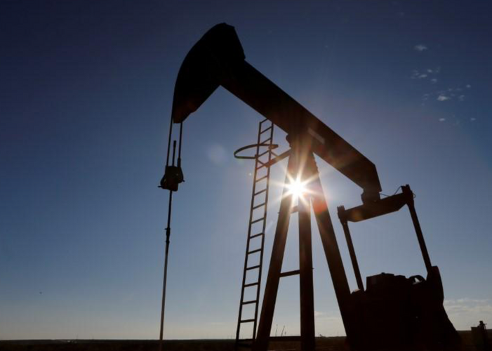 Oil rises after U.S. inventories draw, optimism of economic recovery