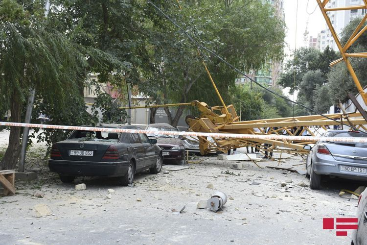 Two houses damaged as a result of crane turnover onto residential building in Baku - <span class='red_color'>PHOTO</span> - <span class='red_color'>VIDEO</span> - <span class='red_color'>UPDATED</span>