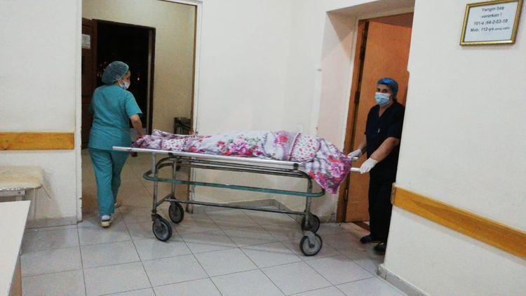 Sumqayıtda qadın qətlə yetirilib, anası isə ağır yaralanıb
